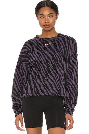 Nike NSW Icon Clash Fleece Sweatshirt in Grey.
