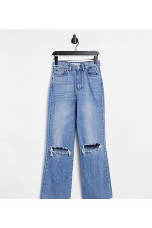 Stradivarius Petite straight leg 90s jeans with rips in blue-Blues