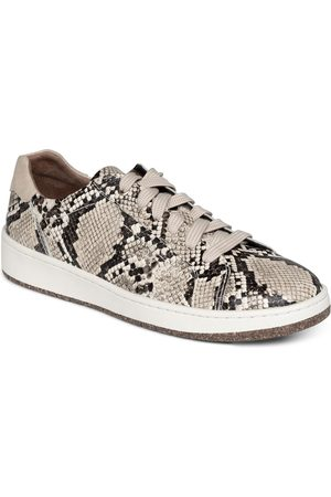 Aetrex Women's Blake Leather Low Top Sneaker