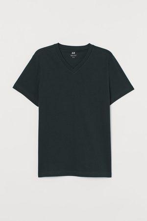H&M Regular Fit V-neck T-shirt