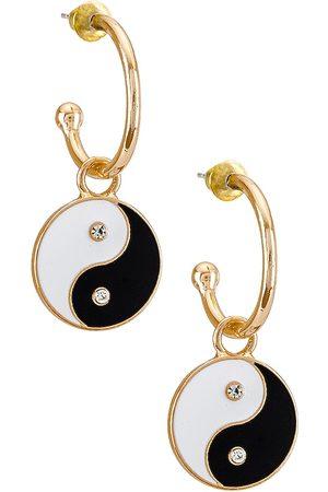 petit moments Ying Yang Hoop Earrings in Metallic .