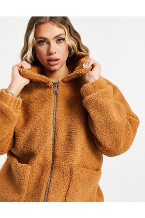 I Saw It First Oversized sherpa jacket in camel-Tan