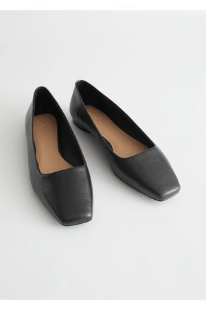 & OTHER STORIES Squared Leather Ballerina Flats