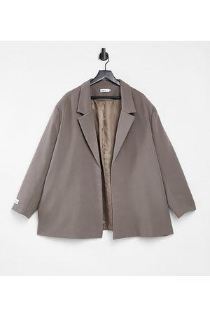 PUBLIC Tailored blazer in -Grey