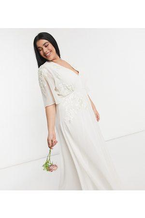 HOPE & IVY Bridal plunge neck maxi dress in ivory