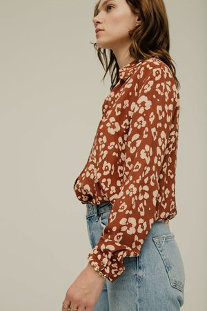 LILY AND LIONEL Beth Shirt in Floral Leopard Mahogany
