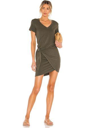MONROW Supersoft V Dress in Olive.