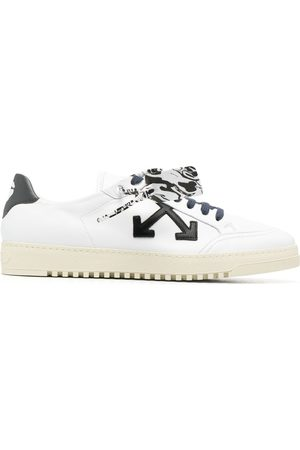 OFF-WHITE Arrows-motif lace-up sneakers