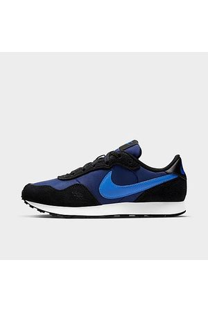 Nike Boys' Big Kids' MD Valiant Casual Shoes in Blue/Black Size 3.5 Suede
