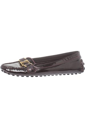 LOUIS VUITTON Burgundy Patent Leather Loafers Size 38