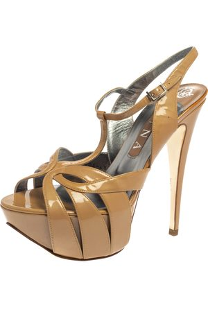 Gina Nude Beige Patent Leather Strappy Platform Sandals Size 39.5