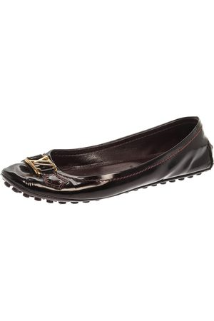LOUIS VUITTON Burgundy Patent Leather Oxford Flats Size 38