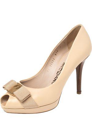 Salvatore Ferragamo Beige Leather Vara Bow Peep Toe Platform Pumps Size 36.5