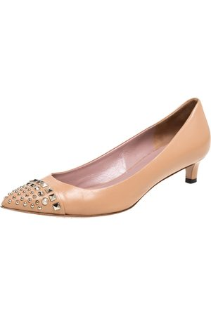 Gucci Beige Leather Coline Studded Kitten Heel Pointed Toe Pumps Size 35