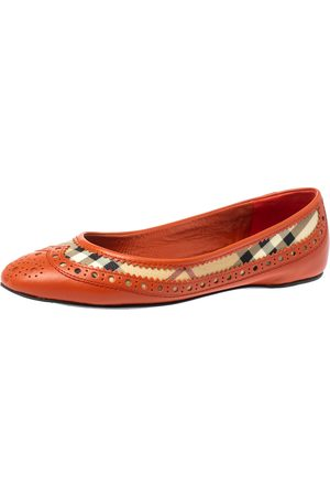 Burberry Orange Brogue Leather And Haymarket Check Canvas Tudor Ballet Flats Size 37
