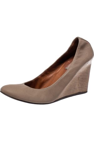 Lanvin Beige Leather Slip On Wedge Pumps Size 42