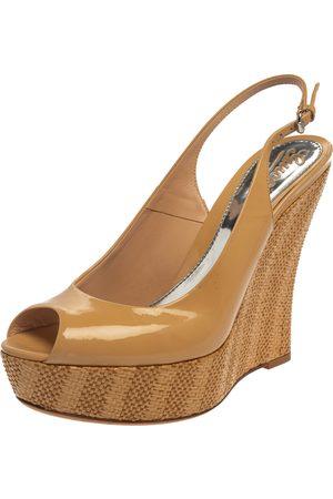 Gucci Beige Patent Strafish Raffia Slingback Platform Wedge Sandals Size 40