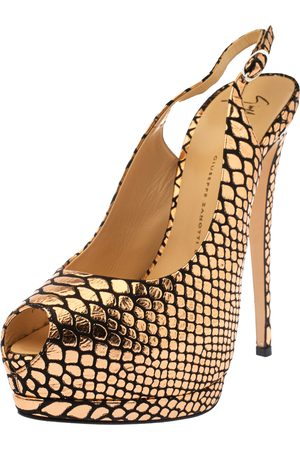 Giuseppe Zanotti Rose Gold/Black Python Embossed Patent Leather and Suede Sharon Platform Pumps Size 39