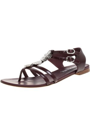CHANEL Burgundy Leather Camellia Thong Sandals Size 37.5