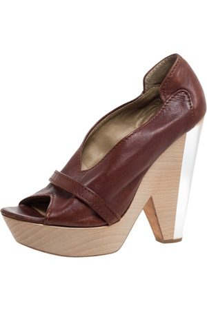 Chloé Brown Leather Lucite And Wood Chunky Heel Platform Peep Toe Pumps Size 37
