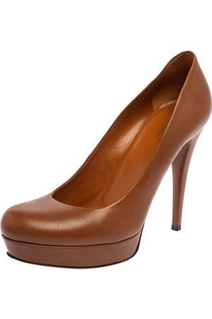 Gucci Brown Leather Betty Platform Pumps Size 37.5