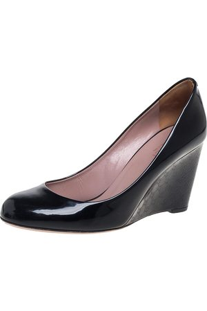 Gucci Black Patent Leather Wedge Round Toe Pumps Size 38.5