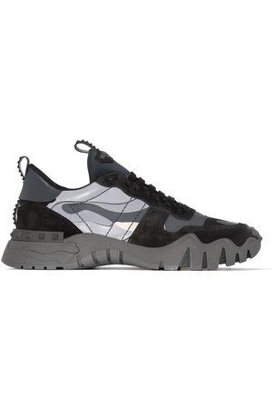 VALENTINO GARAVANI Men Sneakers - Rockrunner Plus camouflage sneakers