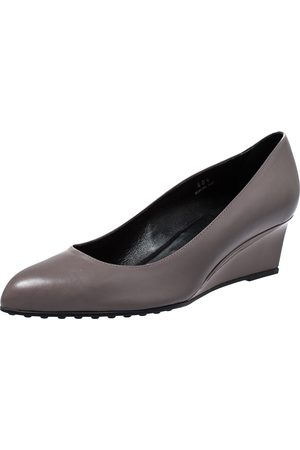 Tod's Grey Leather Wedge Pumps Size 40.5