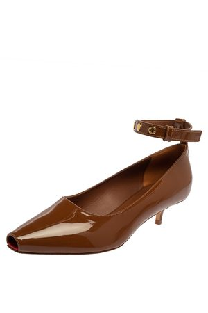 Burberry Patent Leather Dill Kitten Heel Ankle Cuff Pumps Size 38.5