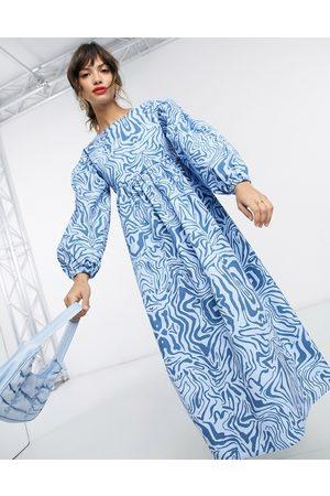 Ghospell Backless midi smock dress in blue marble print-Blues