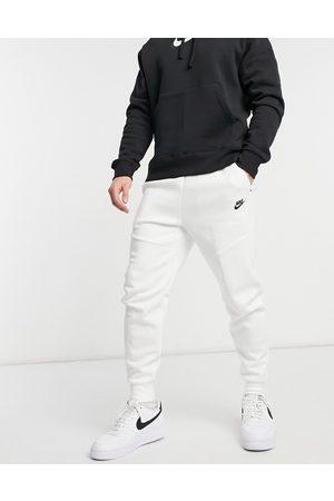 Nike Tech Fleece sweatpants in