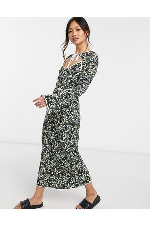 Fashion Union Midi dress with keyhole and contrast piping in micro floral
