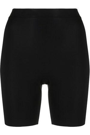 ERES Curve shape-wear shorts