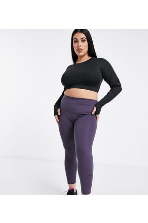 Nike Plus luxe One tight 7/8 legging in