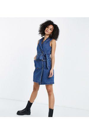 Vero Moda Sleeveless denim mini dress in blue-Blues