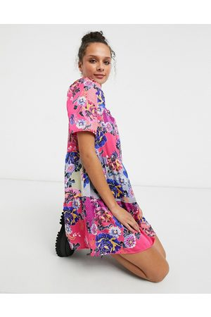 Liquorish Smock mini dress with puffy sleeves in floral print