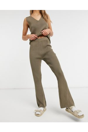 Vila Knitted wide leg pants in taupe - part of a set-Grey