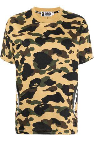 A Bathing Ape Women T-shirts - Shark motif camouflage-print T-shirt