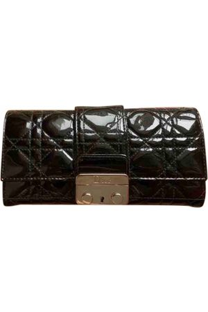 Dior Miss patent leather wallet
