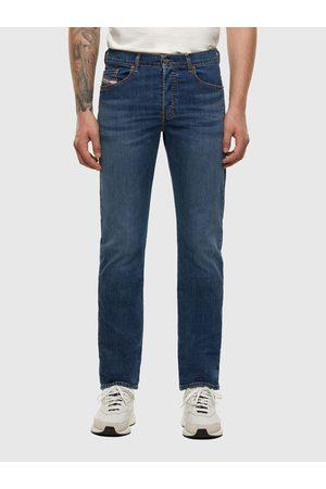Diesel Men Straight - D-Mihtry 009DG Straight Fit Jeans