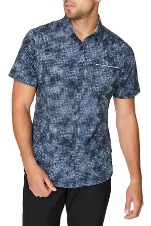 7 Diamonds Men's Open Grid Geo Print Short Sleeve Stretch Button-Up Shirt