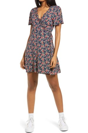 Lulus Women's Audacious Audrey Floral Wrap Dress