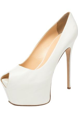 Giuseppe Zanotti Leather Liza Peep Toe Platform Pumps Size 38.5