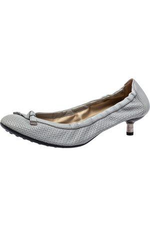 Tod's Grey Laser Cut Leather Bow Scrunch Kitten Heel Pumps Size 39.5