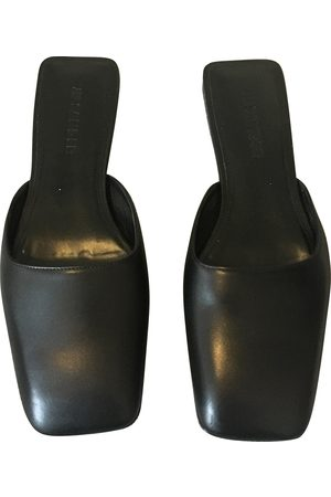 Jil Sander \N Leather Mules & Clogs for Women