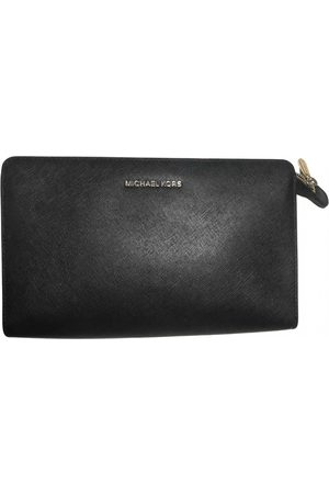 Michael Kors Jet Set Leather Clutch Bag for Women