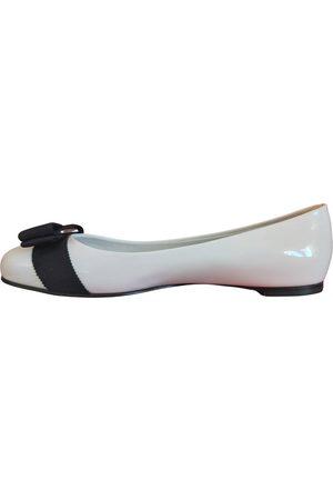 Salvatore Ferragamo VINTAGE Vara Patent leather Ballet flats for Women