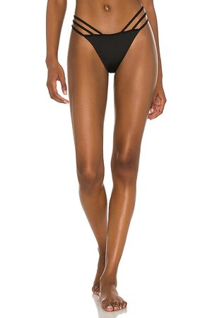 OW Intimates Emy Thong in .