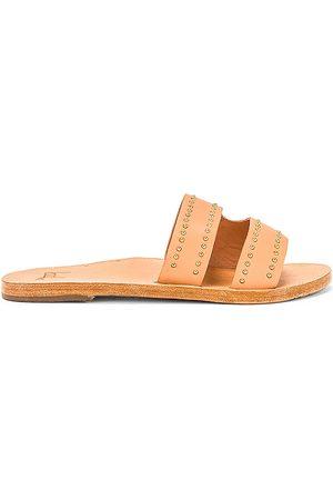 BEEK Dunlin Sandal in Nude.
