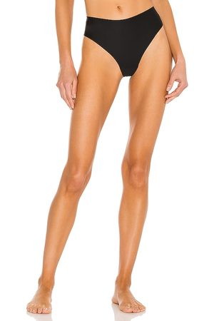 JIV ATHLETICS The Cameltoe Proof High Rise Thong in .